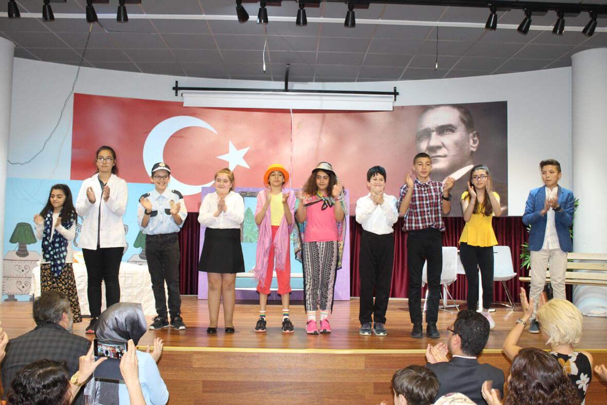 Etkin Kolej | Gogol'un Ünlü Eseri Burun'u  Eskişehir Etkin Kolej Öğrencilerinin Sunumuyla İzleyiciyle Buluştu.