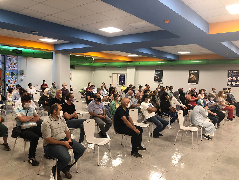 Etkin Kolej | 2020-2021 Eğitim Öğretim Yılı Hazırlık Toplantısı Velilerin Yoğun Katılımı ile Etkin Kolej'de Gerçekleştirildi