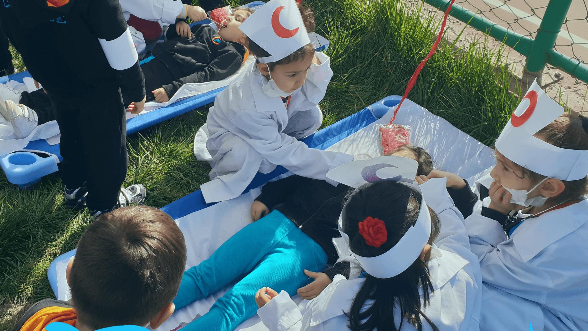 Etkin Kolej | Anaokulumuzun kızılay haftası etkinliği